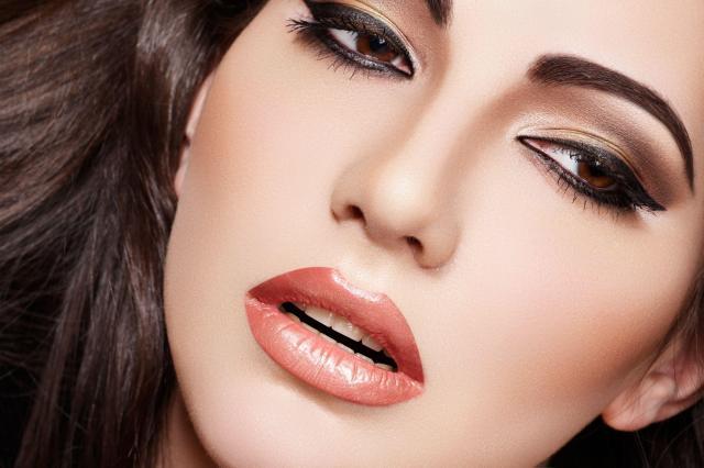 Wizażysta radzi: Piękna kreska eyelinerem
