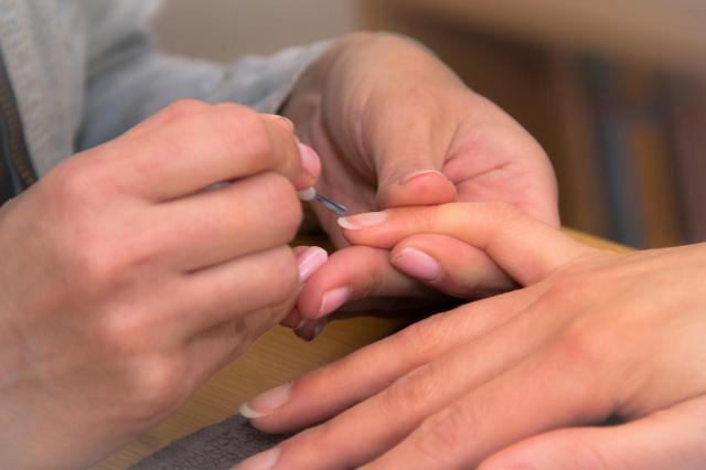 Cenne wskazówki przy malowaniu paznokci