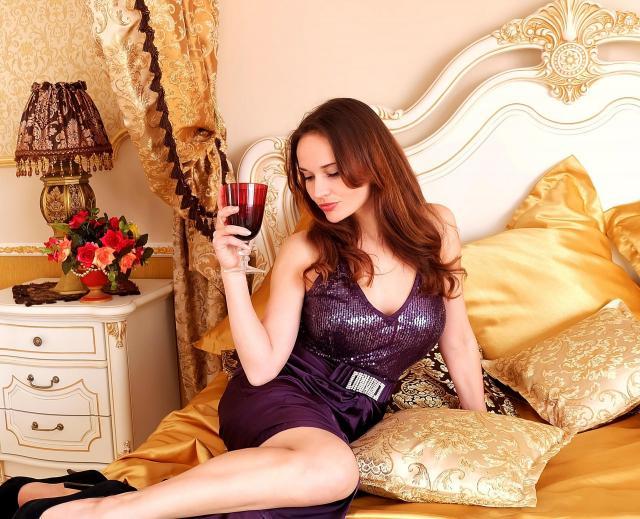 Jak zaskoczyć partnera w sypialni? Ten wieczór zapadnie mu w pamięci!