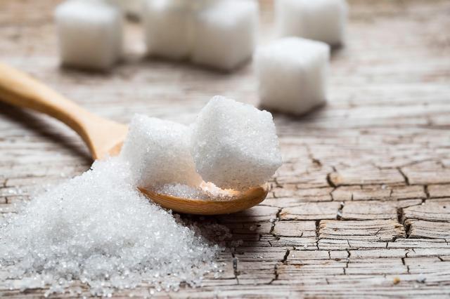 Cukier w trakcie diety - czym go zastąpić?