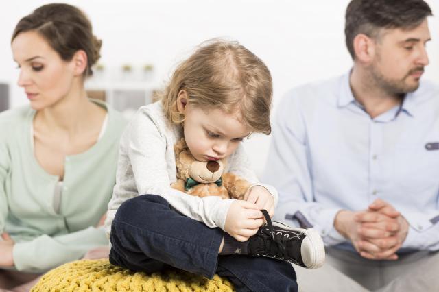 Jak rozwód może wpłynąć na Twoje dziecko? Zobacz czy go nie skrzywdzisz