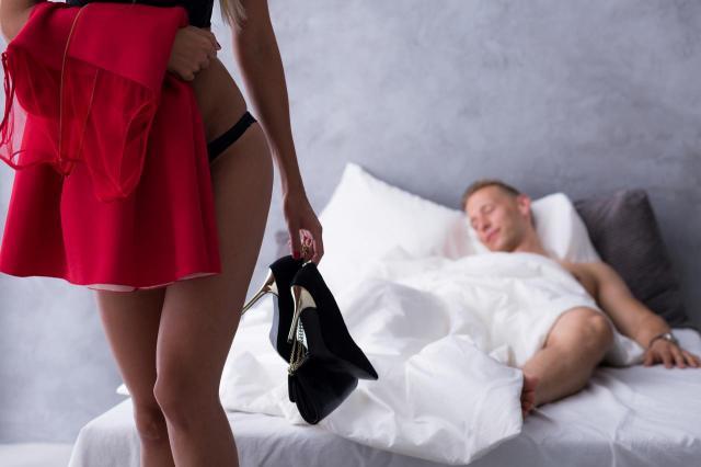 Czy Twój partner Cię zdradza? 8 znaków, które o tym mówią!