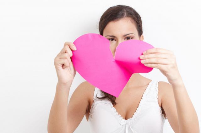 Czuje, że moje małżeństwo się rozpada... Jak sprawdzić, czy mąż mnie zdradza?