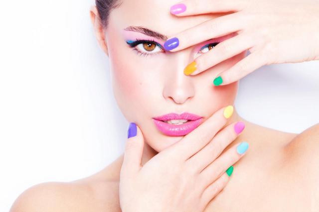 5 błędów, które popełniasz z Twoimi paznokciami. One mogą je zniszczyć!