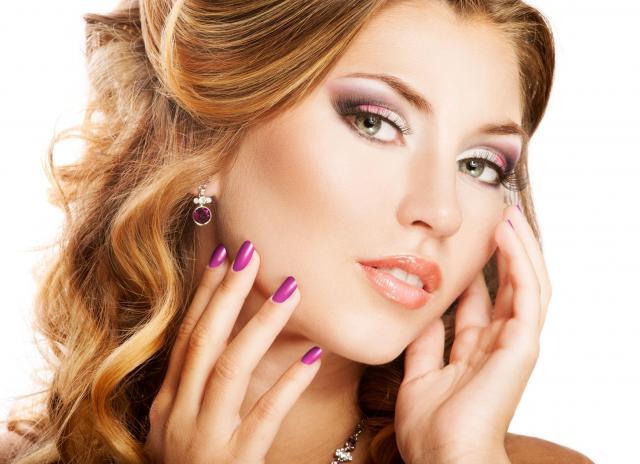 kosmetyczka, pielęgnacja paznokci, paznokcie