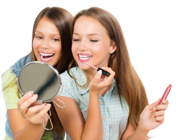 szminka, makijaż ust, usta, makijaż