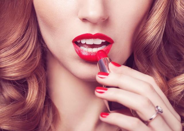 makijaż ust, usta, makijaż, szminka