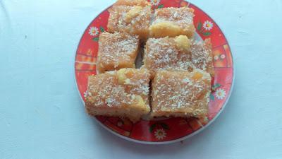 Przepis na świąteczny jabłecznik z wiórkami kokosowymi