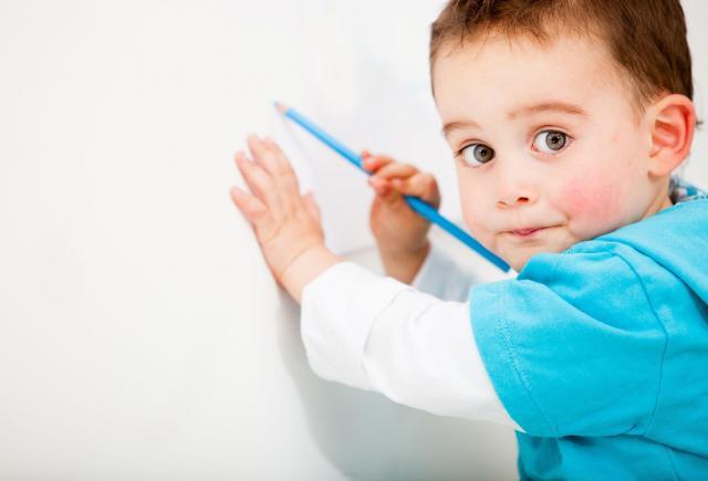 Rzeczy, które Twoje dziecko robi źle, a Ty mu na to pozwalasz