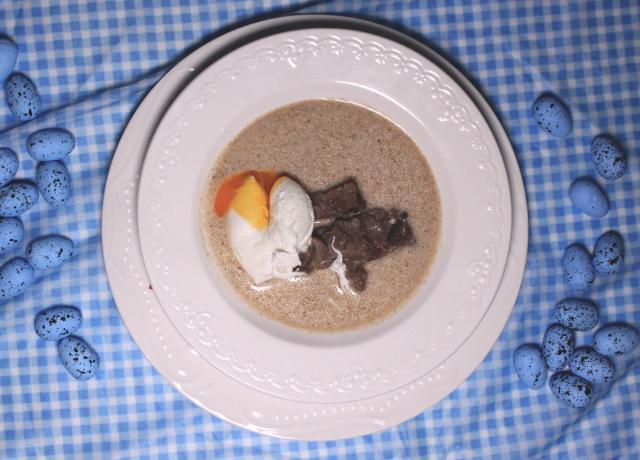 Przepis na zupę chrzanową z wołowiną i jajkiem poche