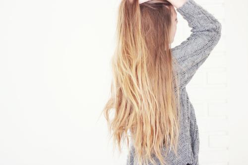 Jak zapuścić włosy w miesiąc?