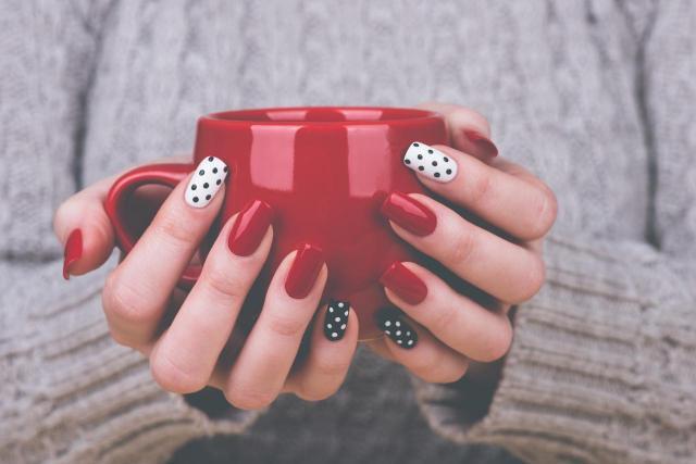Jak dobrać idealny dla Ciebie kształt paznokci?