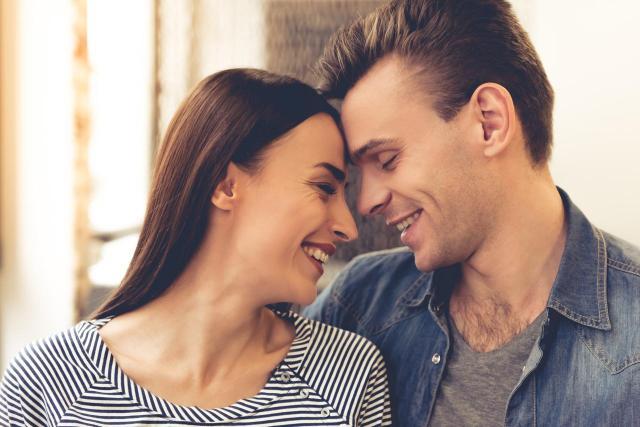 Jak odbudować zaufanie w związku? 5 wskazówek od par, które to przeszły