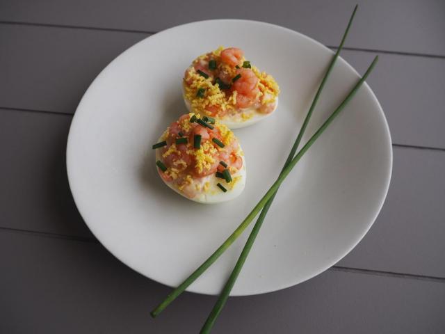 Przepis na jajka mimoza z krewetkami