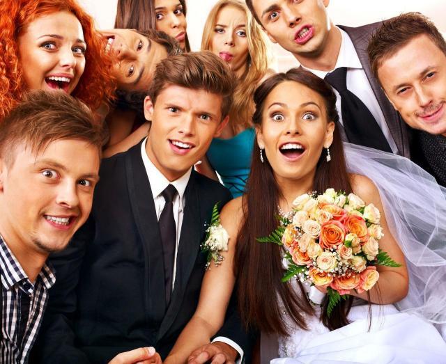 W czym na ślub cywilny i kościelny jako gość?