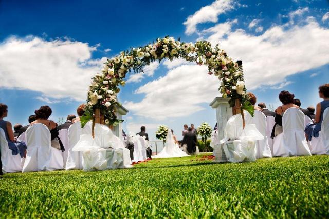 Jakie wesele wybrać? Duże czy małe?
