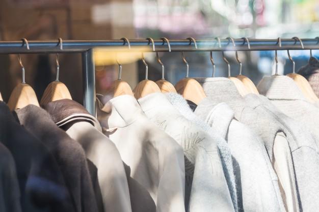 Pożegnaj niepotrzebne ubrania i zorganizuj idealną garderobę