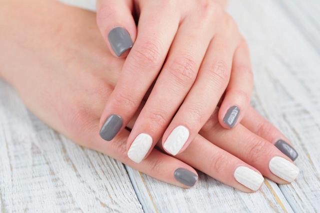 paznokcie na lato, modne kolory paznokci, paznokcie wzory, paznokcie czerwone, paznokcie, paznokcie kolory