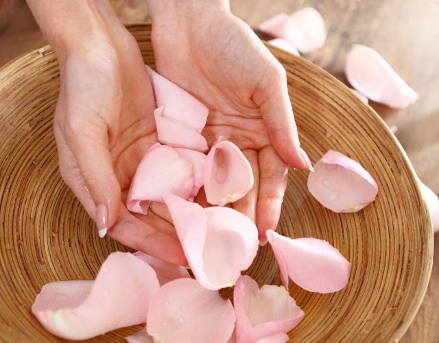 pielęgnacja dłoni, piękne dłonie