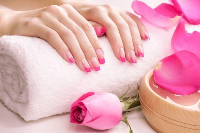 manicure, pielęgnacja paznokci, paznokcie