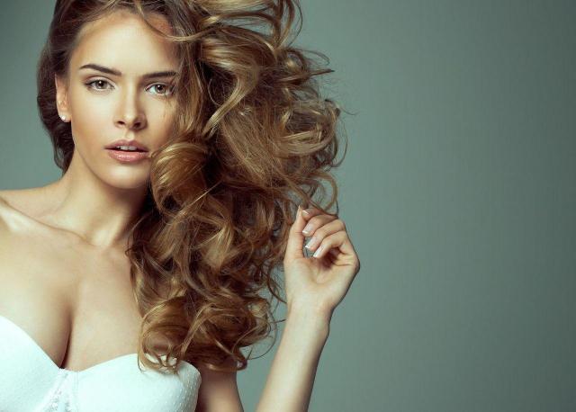 Jak dobrać fryzurę na podstawie kształtu twarzy?