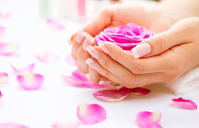 paznokcie francuskie, paznokcie porady, french manicure