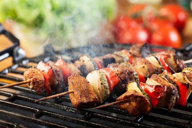 Wspaniałe pomysły na grillowane warzywa. Pokażemy Ci jak je smacznie przyrządzić!