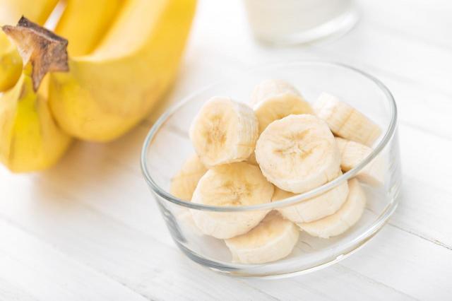 Skórka od banana - wykorzystaj ją w ten sposób, a poznasz jej wszystkie cudowne właściwości