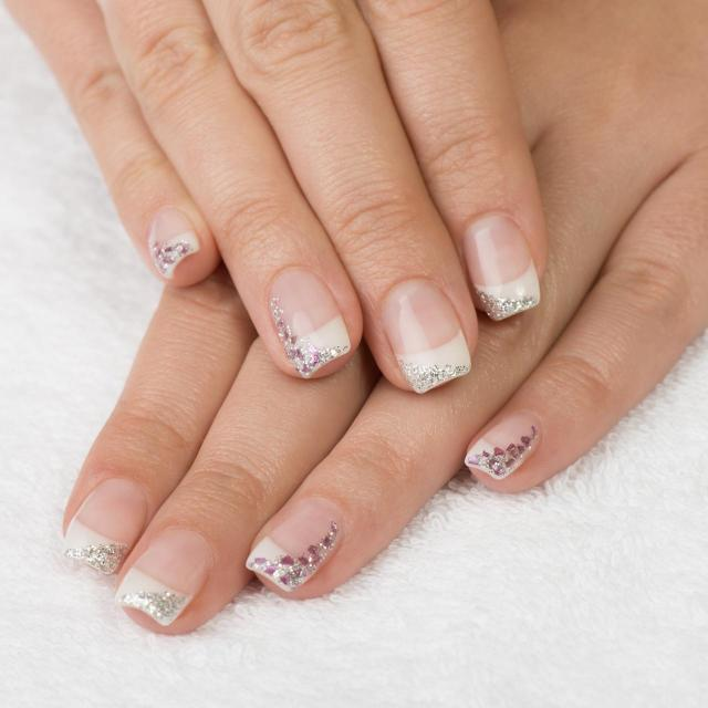 paznokcie pastelowe, modne kolory paznokci, paznokcie wzory
