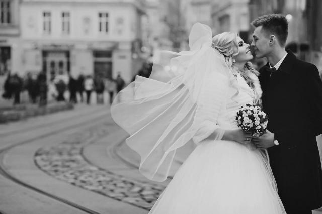 10 niesamowitych zdjęć z sesji ślubnych, które zapadają w pamięci