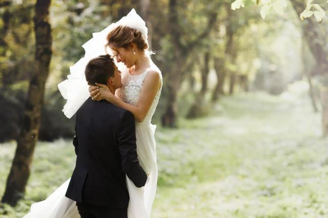 8 rozpalających serc zdjęć par ślubnych, które Cię zachwycą