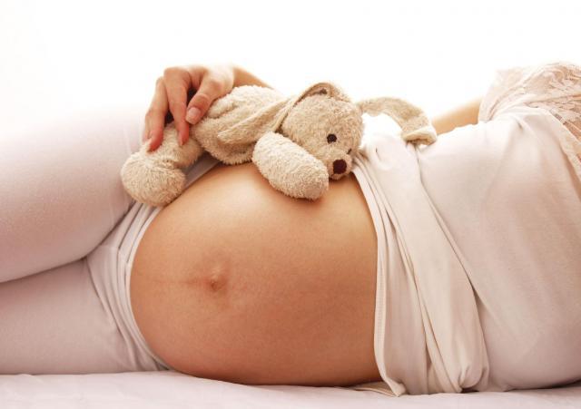 Ciąża - jak ją rozpoznać? Najpopularniejsze objawy ciąży