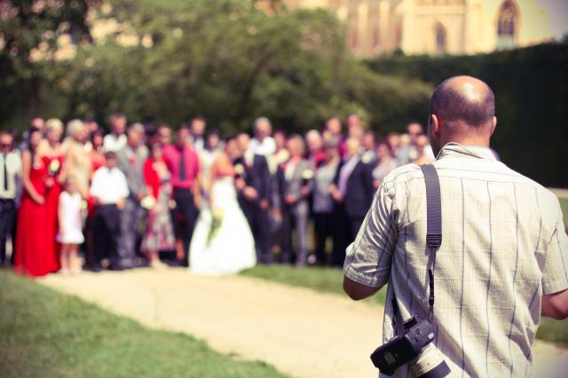 Jak znaleźć najlepszego fotografa na wesele?