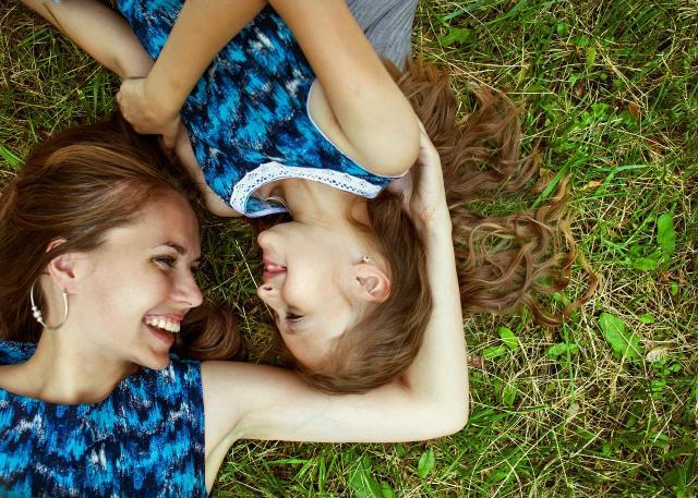 opieka nad dzieckiem, macierzyństwo, rodzicielstwo, wychowanie dziecka