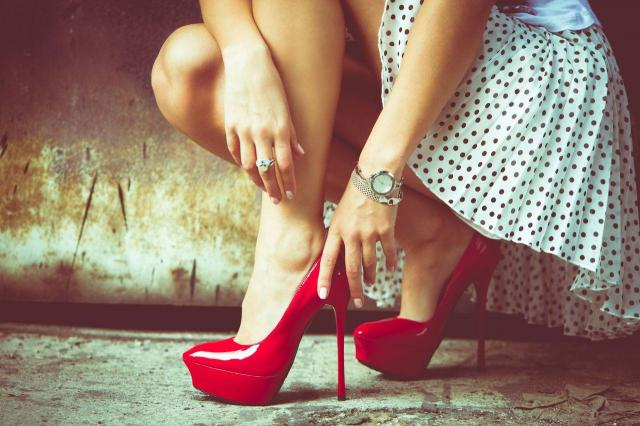 szpilki, buty na obcasie