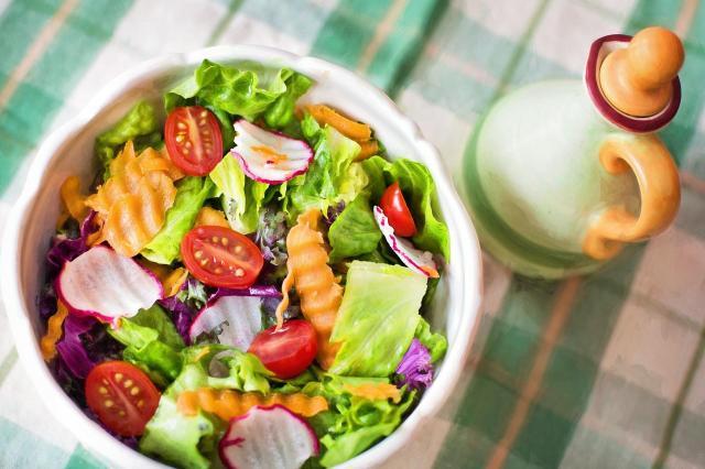 4 zmiany w codziennym odżywianiu, które musisz wprowadzić po 40