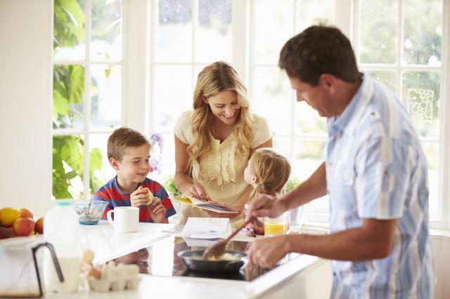 Surowe wychowanie dziecka – czy to popłaci?
