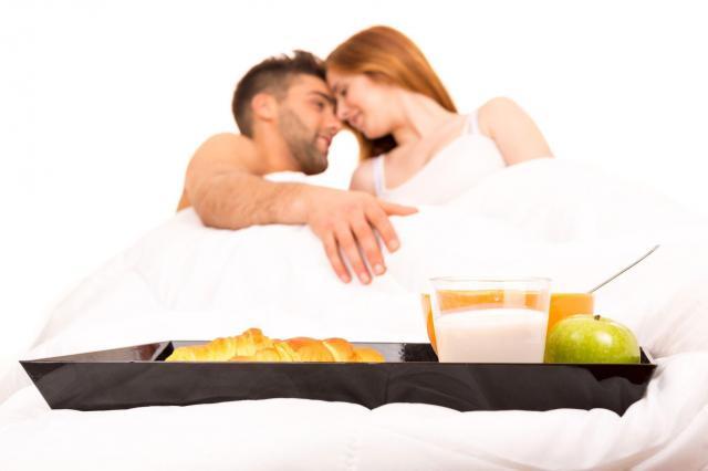 Przez żołądek do łóżka: Jak rozpalić żądzę dzięki afrodyzjakom?