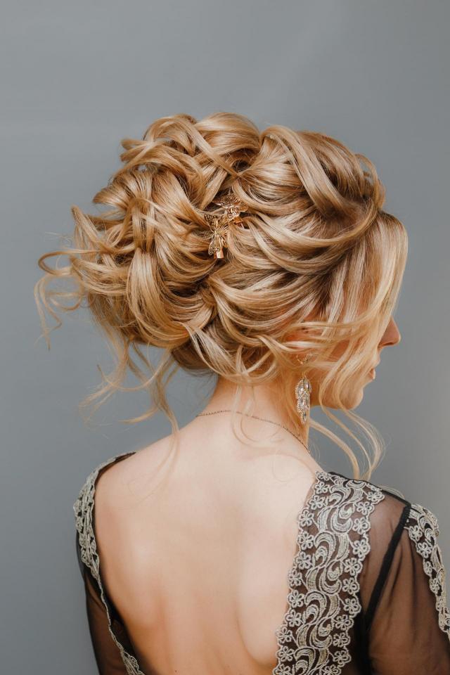 fryzury ślubne, ślub inspiracje, włosy długie, fryzury na wesele, fryzury upięcia