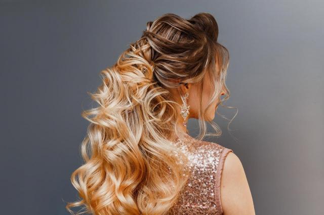 ślub inspiracje, włosy długie, fryzury na wesele, fryzury upięcia, fryzury ślubne