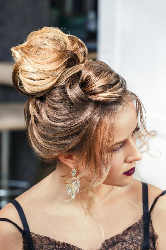 włosy długie, fryzury na wesele, fryzury upięcia, fryzury ślubne, ślub inspiracje