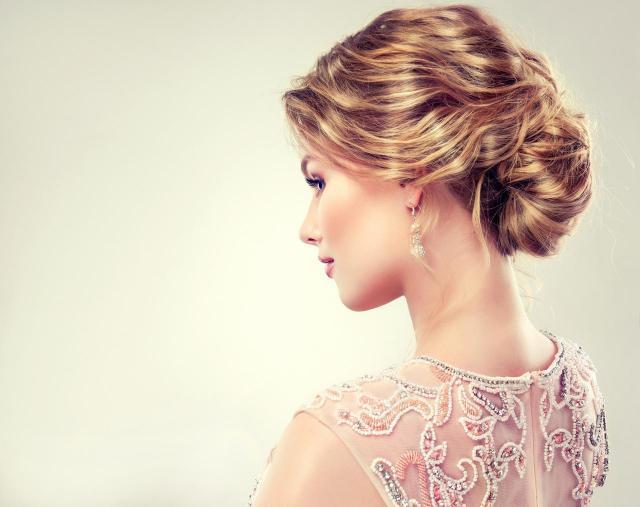 fryzury na wesele, fryzury upięcia, fryzury ślubne, ślub inspiracje, włosy długie