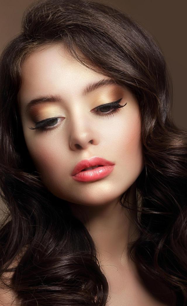 makijaż na co dzień, makijaż dla blondynek, makijaż smoky eyes, makijaż twarzy, makijaż na lato