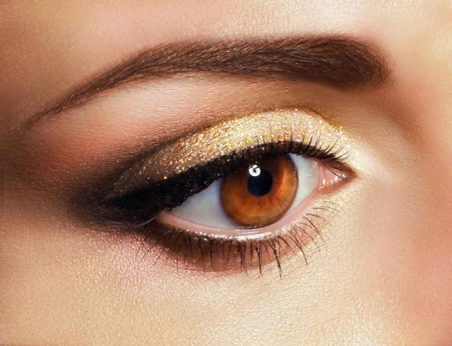 makijaż dla blondynek, makijaż smoky eyes, makijaż twarzy, makijaż na lato, makijaż na co dzień