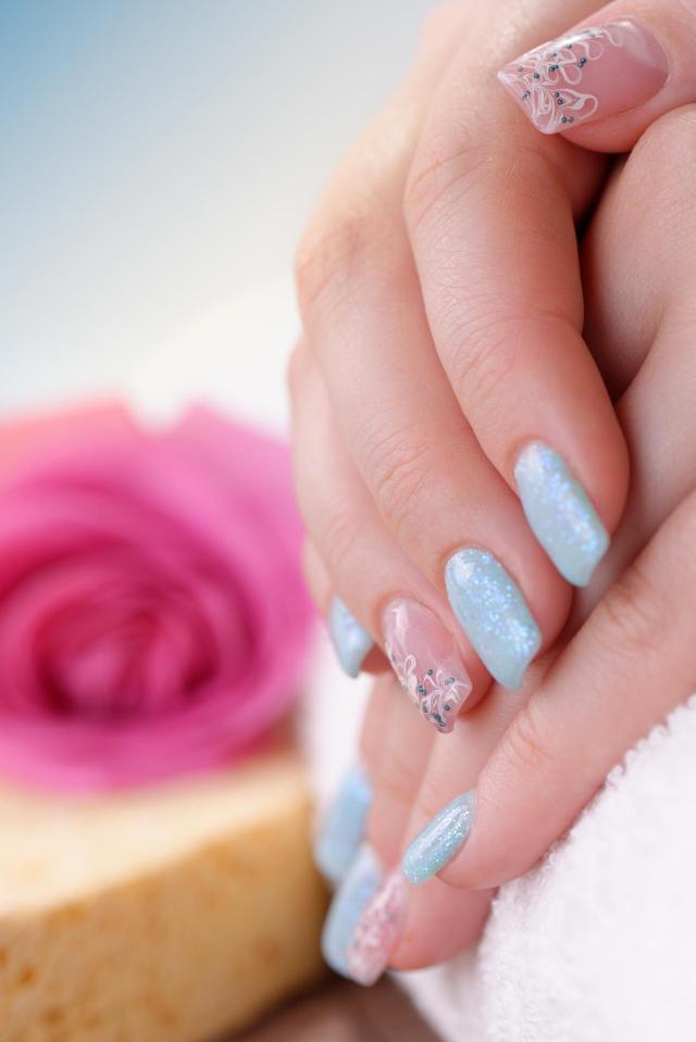 paznokcie na lato, modne kolory paznokci, paznokcie wzory, paznokcie, paznokcie kolory