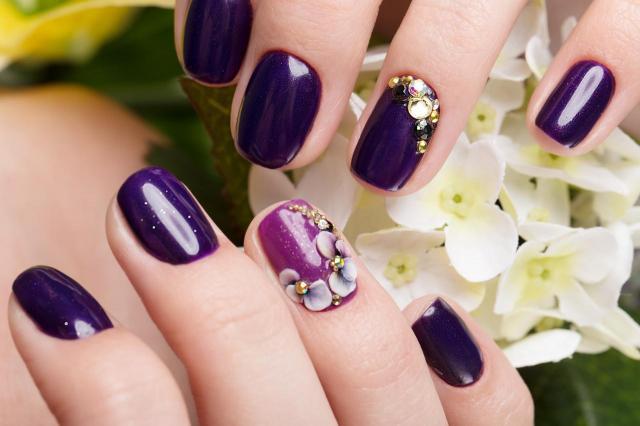 paznokcie wzory, paznokcie na lato, paznokcie, paznokcie kolory, zdobienie paznokci, modne kolory paznokci