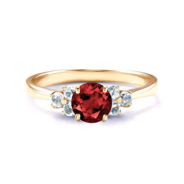 Klasyczny czy nowoczesny. Jaki powinien być pierścionek zaręczynowy?