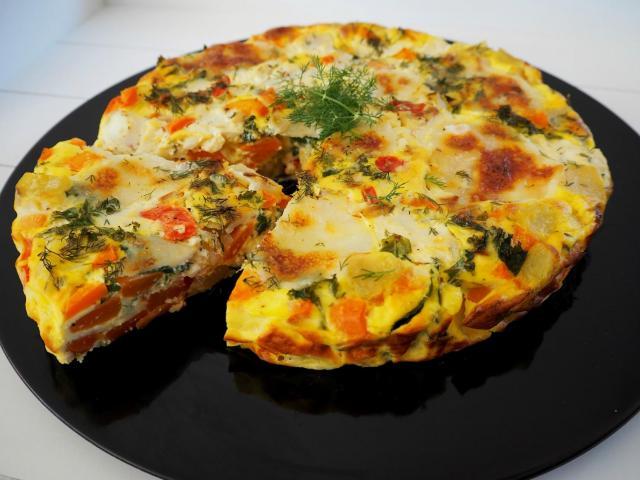 Przepis na wegetariański omlet z warzywami