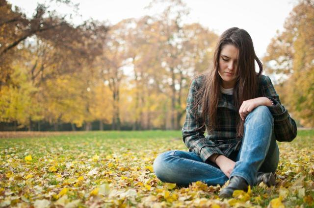 Jesienna depresja: jak ją pokonać i cieszyć się życiem?