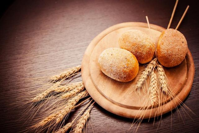 5 rzeczy, które wydarzą się jeśli zrezygnujesz z jedzenia chleba